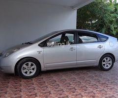 Toyota Prius 2012, 1st Owner Car, Gampaha.
