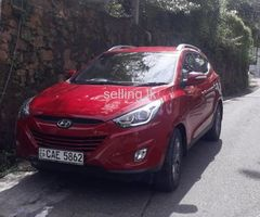 Hyundai Tucson Fully loded  4 WD