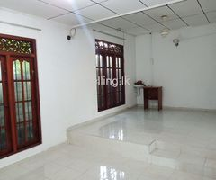 A luxury house is for rent 6 KM from Kiribathgoda