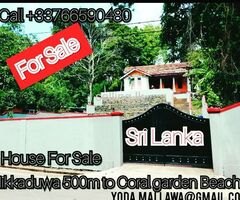 Hikkaduwa touriste area House for sale