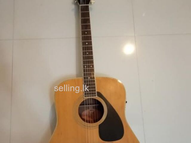 Accoustic Box Guitar