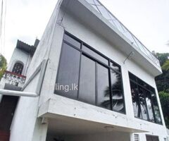Upstairs House for rent in Sri Jayawardenapura, Colombo