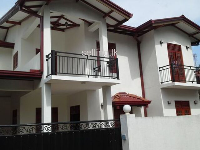 2 Stories house for rent in Makola south