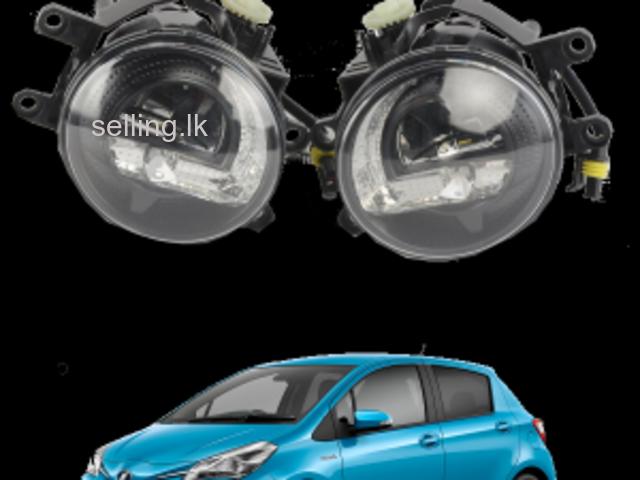 Toyota Vitz Fog Lamp Light 81210-12230 81220-12230