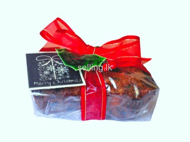 CHRISTMAS CAKE PIECES