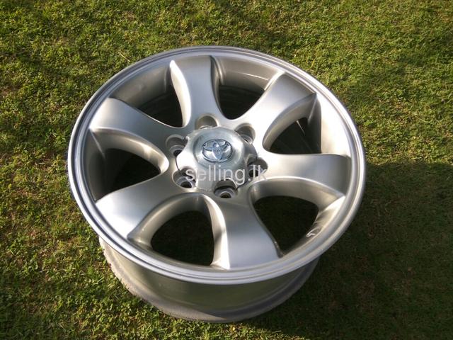 Prado 120 alloy wheels