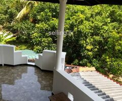 Upstairs House for rent in Galle