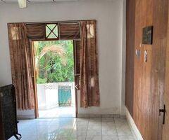 Sharing Room for Boys in Makola Kiribathgoda
