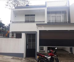 Luxury house sale in Athurugiriya