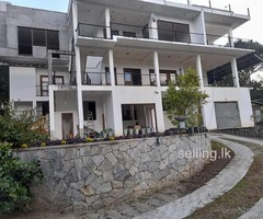 Holiday bungalow for sale in Kandy