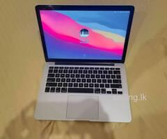 Macbook pro 2015 i5 retina 8gb ram 256 SSD