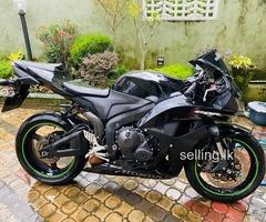 Honda CBR 600RR 2009 bike for sale