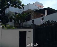 Two Storey House for rent In Mount lavinia