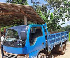 Isuzu elf lorry