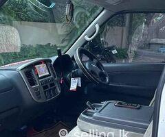 Nissan caravan E25 2012