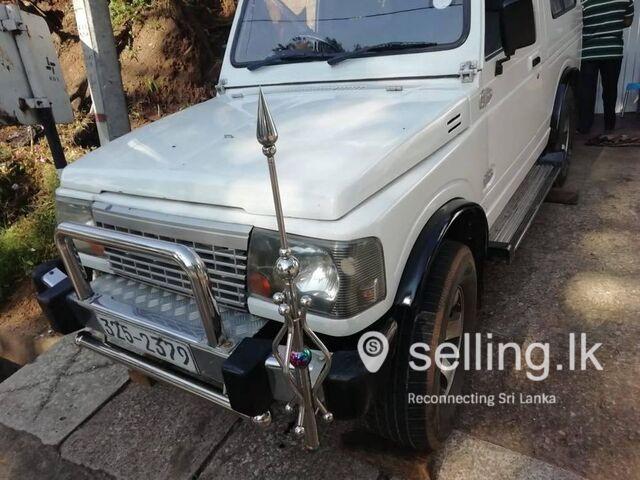 Suzuki gypsy jeep