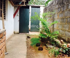 House for sale in Kahathuduwa!