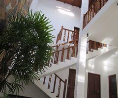 Luxury Upstair House for sale in Pannipitiya