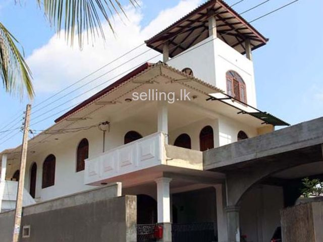 Three Storied House for Sale at Bandarawatta, Kadawatha.