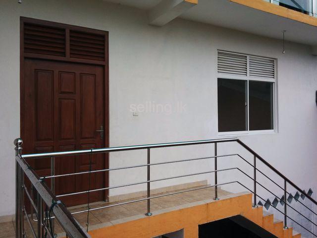 Luxury Apartment In Sri Jayawardenapura Kotte