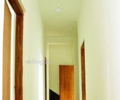 Peradeniya 4 Beds 2 Baths House For Rent