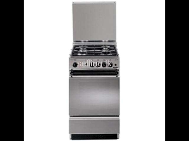 Brand new Elba 4 burner cooker with oven (Model EBCK55X220)