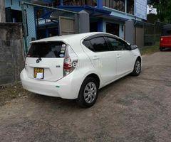Toyota Aqua Hybrid 2013